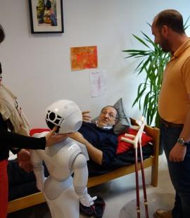 Strate Research - Exploration scénarios avec Pepper en résidence chez Aldebaran [Juin 2015]